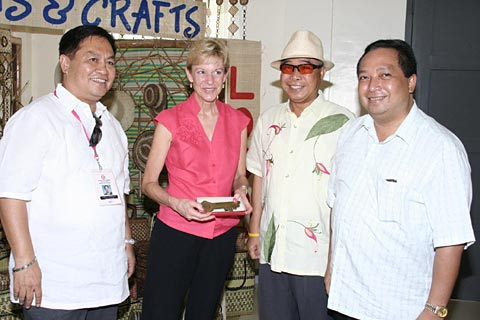 U.S Ambassador Kristie Kenny with Bohol governor Eric Aumentado and other dignitaries
